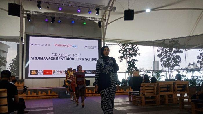 Ardimanagement Modelling School Gelar Graduation Batch 2, Hadirkan Putri Indonesia Jatim 2019