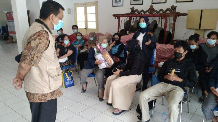 Dr Erwin Ashta Triyono, ketika bertugas di Rumah Sakit Lapangan Indrapura Surabaya