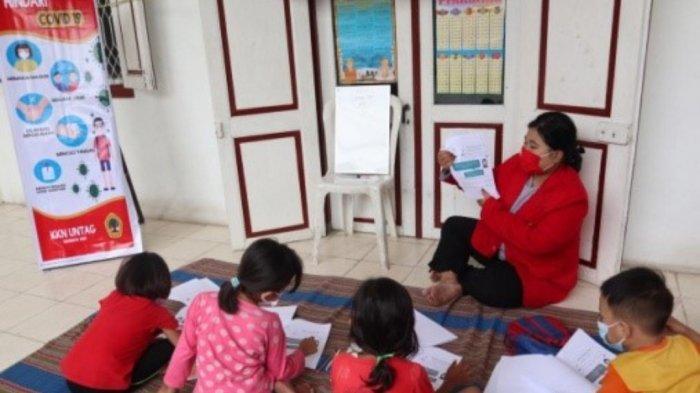 Eris Reynalda Bantu Anak-anak RT 04 RW 03 Kutisari Selatan Belajar Secara Daring