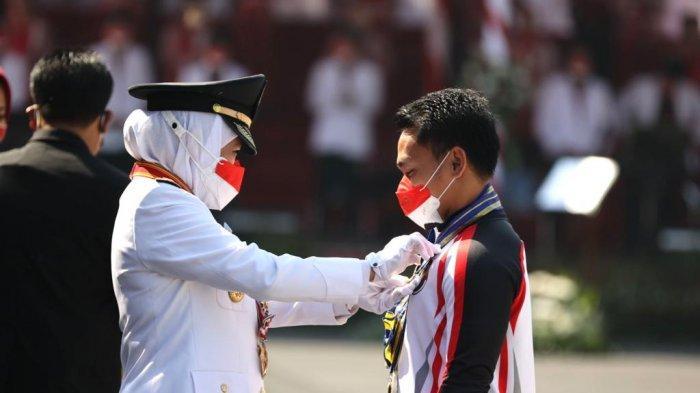 Eko Yuli Irawan, Atlet Angkat Besi Penerima Lencana Jer Basuki Mawa Beya Emas