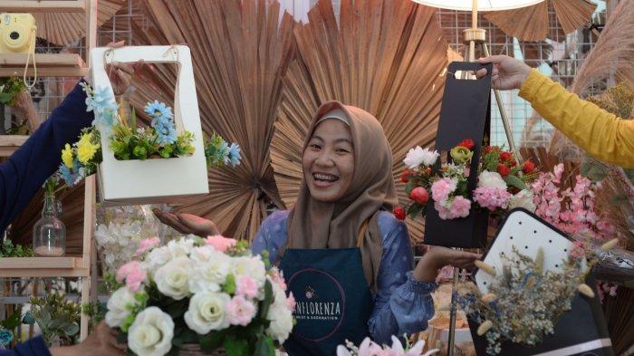 Rintan Putri Memburu Passion di Bidang Florist, Berawal dari Coba-coba hingga Berbuah Manis