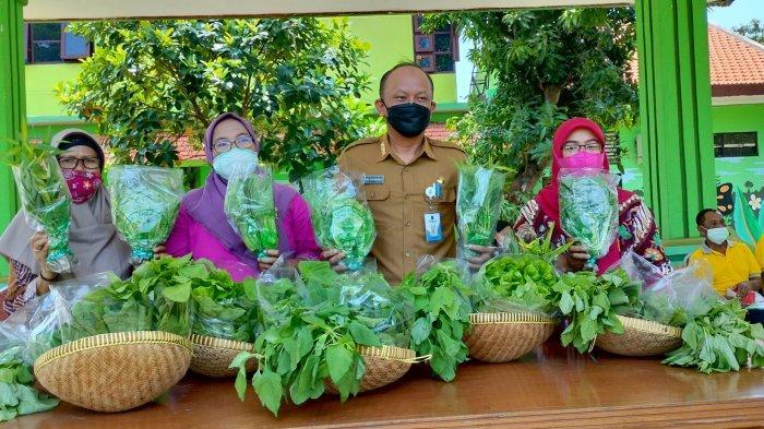 Dinas Ketahanan Pangan dan Pertanian Surabaya Luncurkan Logo Produk Hasil Urban Farming
