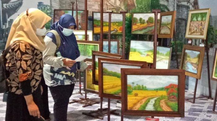 Pelukis Rijaman Ajak Pulang Kampung Lewat Lukisan Pointilisme