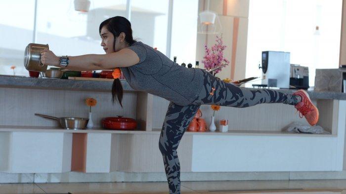 3 Gerakan Workout ini Bisa Bantu Kamu Bakar Lemak Perut, Paha, dan Pantat
