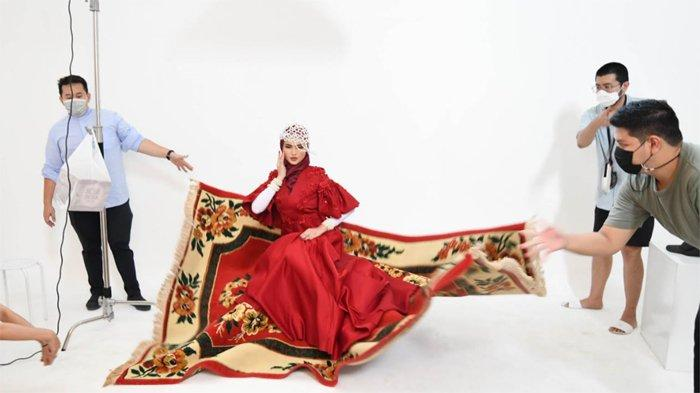 Steal Magazine Look, The Shot Team Kreasikan Pemotretan Edisi Ramadan