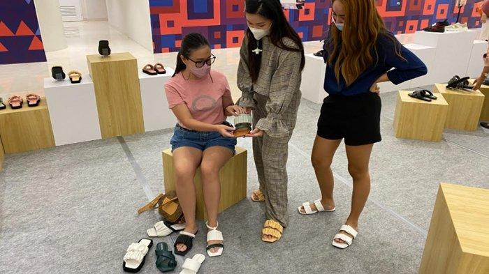 Kapsoora, Brand Sandal Lokal Surabaya yang Gunakan Bahan Ramah Lingkungan