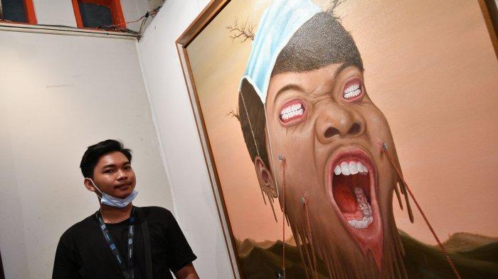Seniman Muda Mohammad Yunus Menuangkan Keresahan lewat Lukisan Potret Diri
