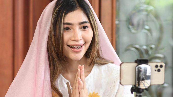 Nunky Jayanti Putri Terbiasa Silaturahmi Secara Virtual saat Idulfitri