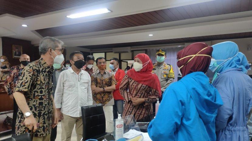 Pemprov Jatim Fasilitasi Vaksinasi Untag Surabaya Untuk Percepatan Perkuliahan Tatap Muka