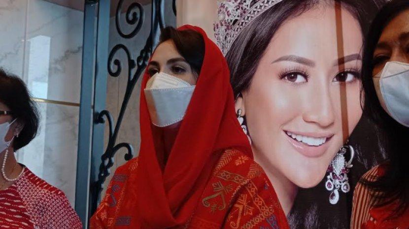 Ayu Maulida Hanya Lolos Babak Top 21 Miss Universe, Arumi Bachsin: Tetap Beri Support