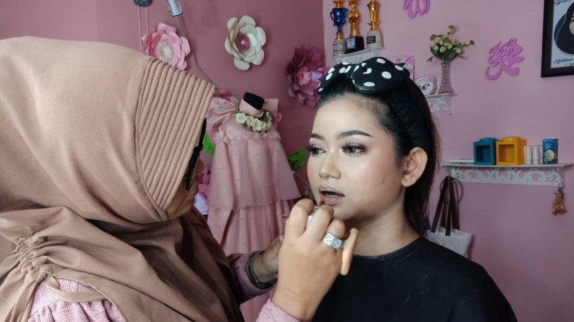 Maulina Dian Ungkap Tren Make Up 2020 Masih Seputar Warna Senja ala Thailand