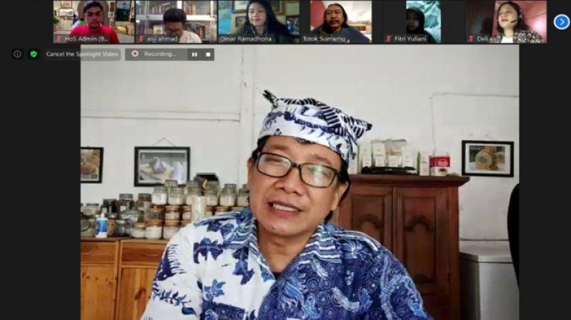 House of Sampoerna Kenalkan Kembali Batik Gendongan Melalui Pameran Virtual