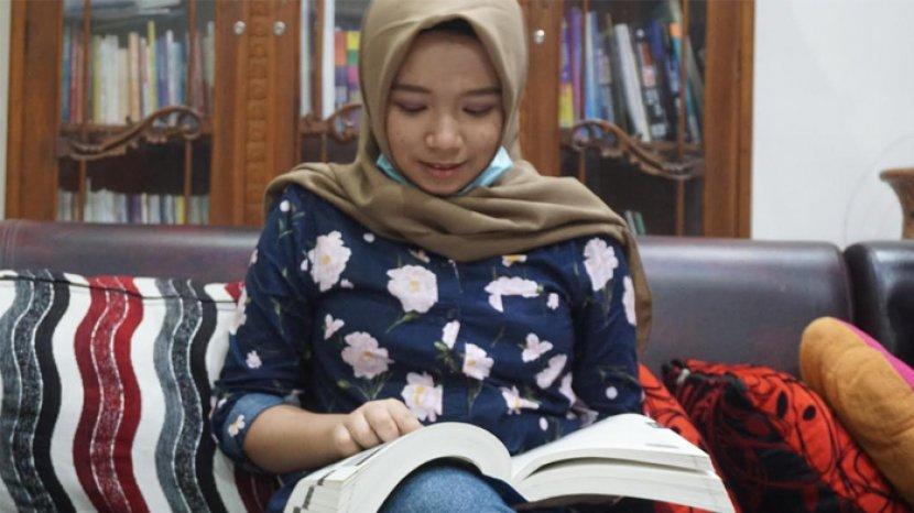 Rizqi Nabila Ramadhani, Usia 15 Tahun Diterima di Fakultas Kedokteran Universitas Airlangga