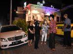 Mercedes-Benz-W204-Club-Surabaya-Chapter-Sempatkan-Donasi-Saat-Kopdar.jpg