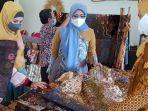 desainer-busana-muslim-lia-afif-kesengsem-batik-tulungagung.jpg