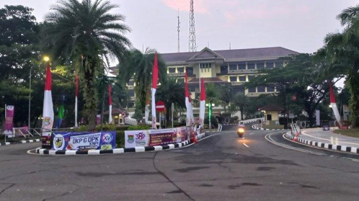 Tujuh Jam Unjuk Rasa di Kantor Bupati Tangerang, Mahasiswa Membubarkan Diri Pukul 17.30 WIB