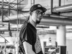 Gitaris-Eben-Burgerkill-meninggal-dunia-saat-manggung-di-Konser-48.jpg
