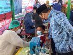 Wali-Kota-Tangerang-Arief-Wismansyah-meninjau-vaksinasi-di-SDN-Darussalam-Batu-Ceper.jpg