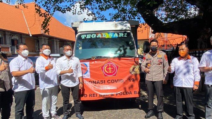 Serahkan Paket Sembako, DPD REI Bali Bantu Sesama di Masa Pandemi