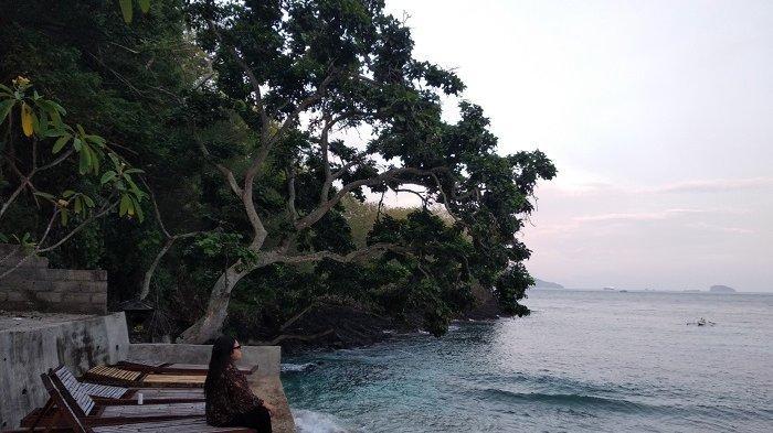 Tenangnya Suasana Pantai di Blue Lagoon Karangasem