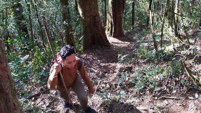 Prima dan Dwimade Takjub Nikmati Pemandangan Gunung Lesung