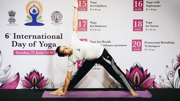 Perayaan Hari Yoga Internasional Ke 6 di Bali Dirayakan Dan Digelar Secara Online