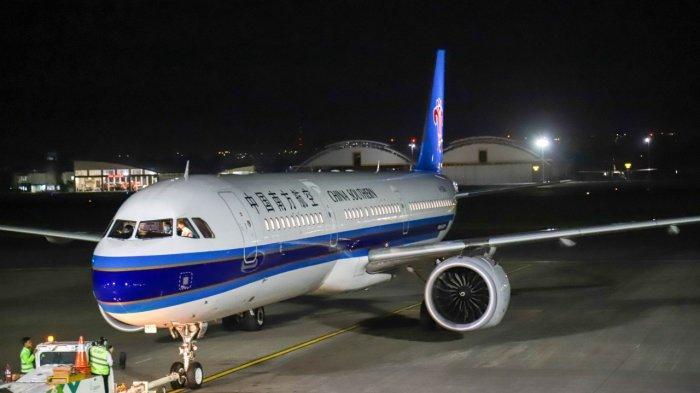 Bandara Ngurah Rai Lepas Penerbangan Terakhir ke China Daratan