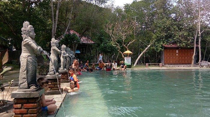 Ini Informasi Berbagai Fasilitas  Di Natural Hot Spring Pool Banyuwedang