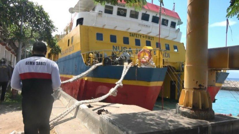 KMP-Kapal-Motor-Penumpang-Nusa-Jaya-Abadi-yang-dikelola-Pemkab-Klungkung.jpg