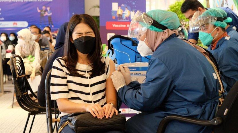 75 Persen Sudah Divaksin, XL Axiata Terus Lakukan Vaksinasi untuk Karyawan dan Keluarganya