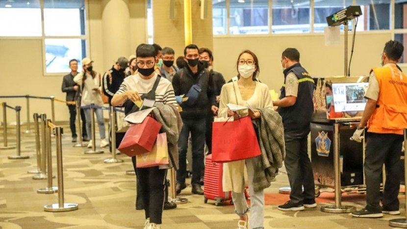Penerbangan Internasional Segera Dibuka, Luhut: Harus Penuhi Persyaratan Karantina, Tes & Satgas