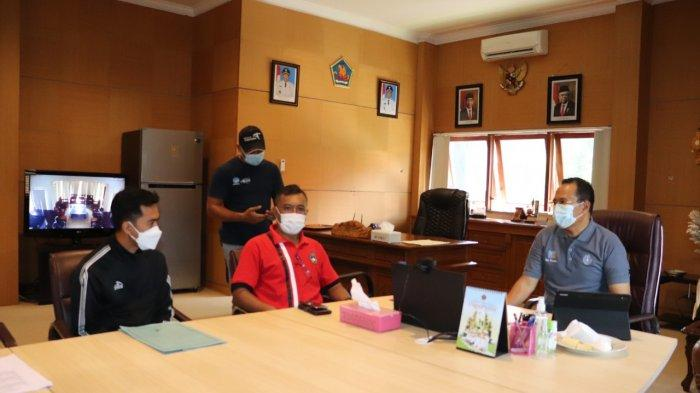Dua Wasit Sepak Bola Buleleng Ditugaskan Dalam PON XX Papua 2021
