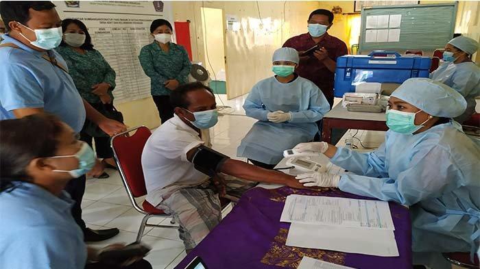Sebanyak 19 Orang Penyandang Disabilitas di Kelurahan Serangan Denpasar Terima Vaksin Covid-19