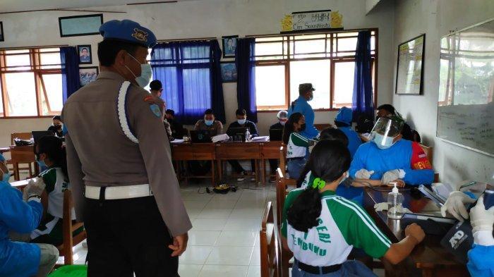 Polsek Tembuku Gelar Patroli Giat Vaksinasi di SMKN 1 Tembuku Bangli
