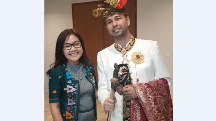 Cerita Ayu Saraswati Temani Raffi Ahmad dan Nagita Slavina Berbelanja di Pusat Oleh-Oleh