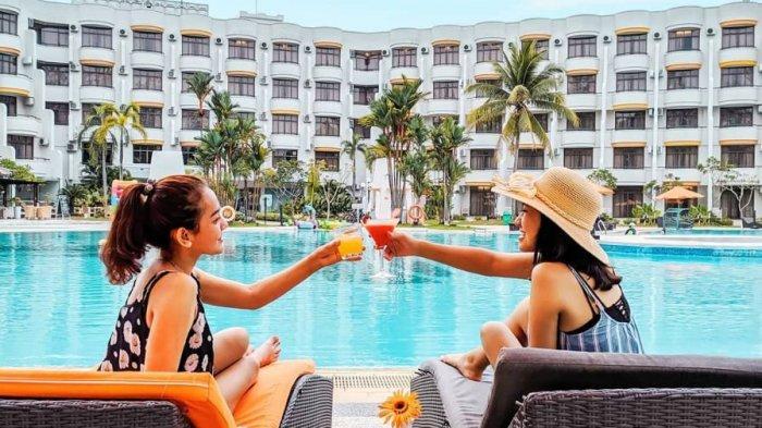 Intip Keseruan Berenang di Harris Resort Waterfront Batam, Coba Fasilitas Menariknya!