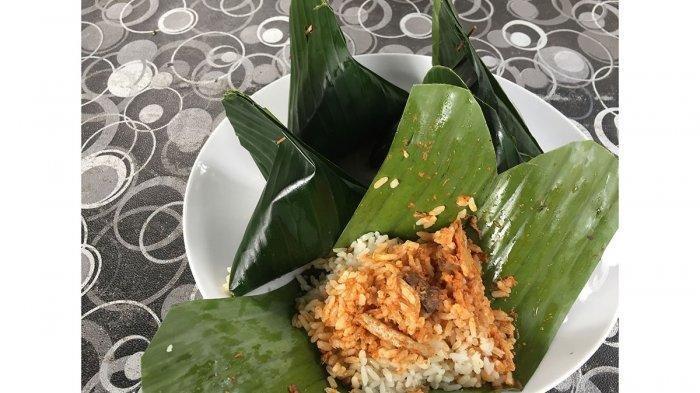Diberi Siraman Kuah Kari Ikan Tongkol, Begini Nikmatnya Nasi Dagang Khas Anambas