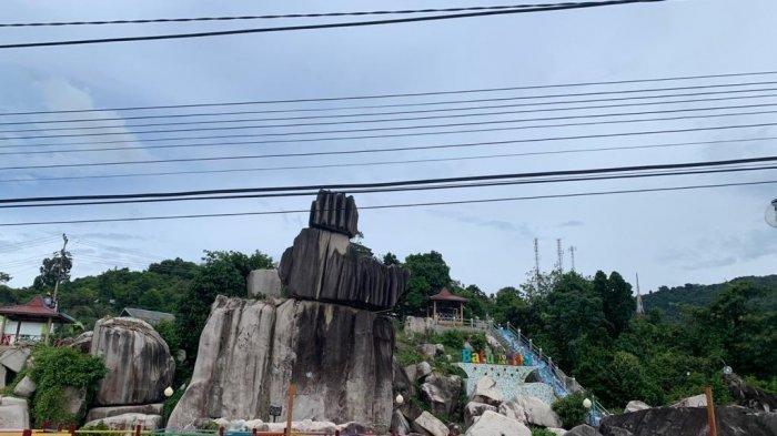 Miliki Spot Foto Indah dan Gratis, Begini Sensasi Liburan ke Batu Tompak Tige Anambas