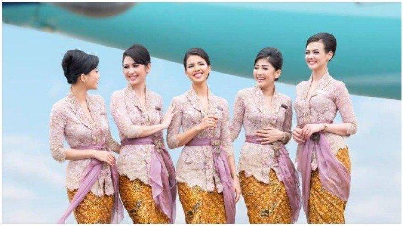 seragam-pramugari-maskapai-penerbangan-garuda-indonesia-kebaya-pertiwi.jpg
