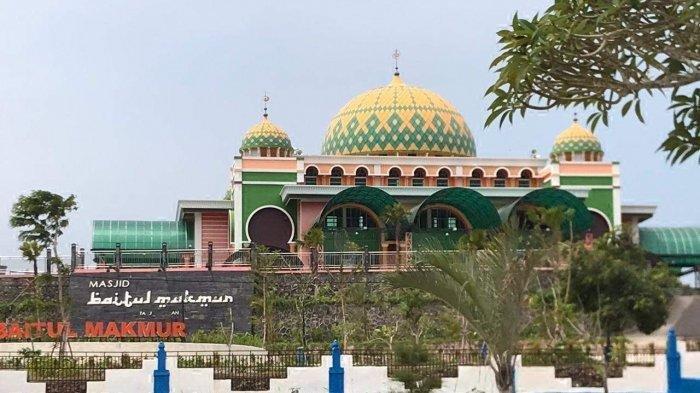Masjid Raya Baitul Makmur Bintan