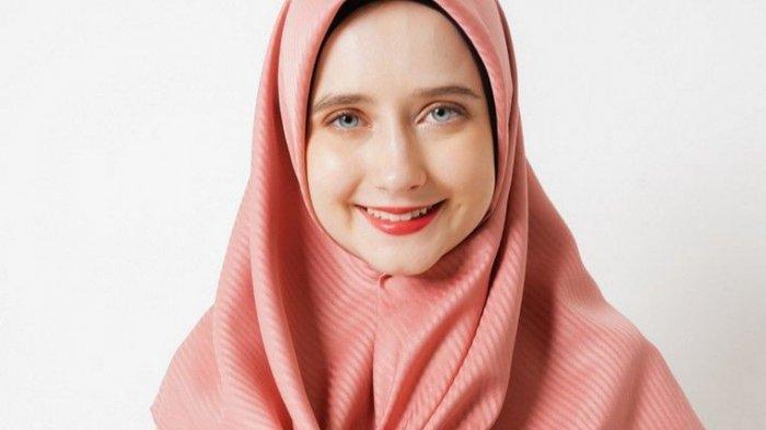 Eksis dengan Kaus Distro, Merek Ini Hadirkan Hijab Menjelang Ramadan, Peminatnya Meningkat