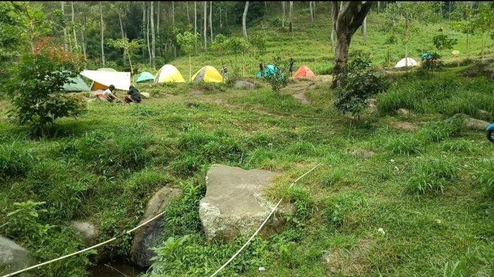 Camping ground Barubereum di Ciloa, Sindangsari, Sukasari, Kabupaten Sumedang