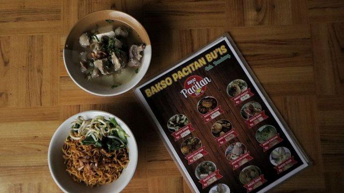 Bakso kikil dan yamin manis di Baso Pacitan Bu Is, Desa Bandasari, Cangkuang, Kabupaten Bandung