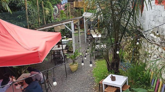 Bober Backyard Cafe yang Lokasinya Tersembunyi Ini Lagi Hits di Kalangan Milenial