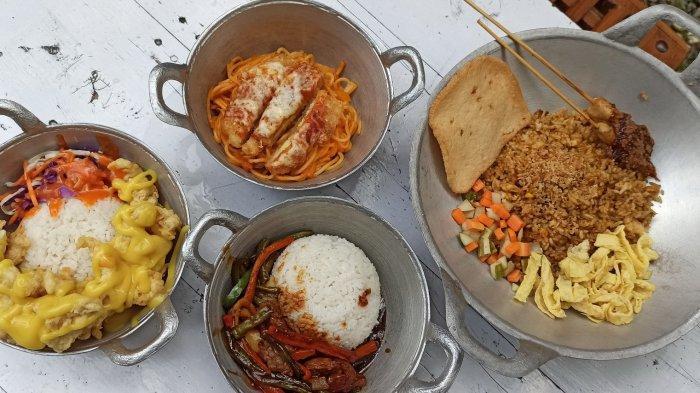 Berbagai pilihan menu makanan favorit di Bober Backyard Cafe, Jalan Bojongkoneng Atas No 43, Bandung