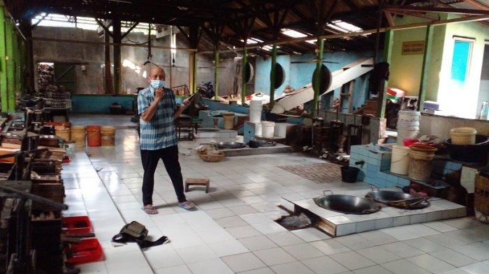 Pabrik galendo Mang Endut di  Jalan Kapten Harsono Sudiro, Cilame, Kabupaten Ciamis yang berhenti beroperasi