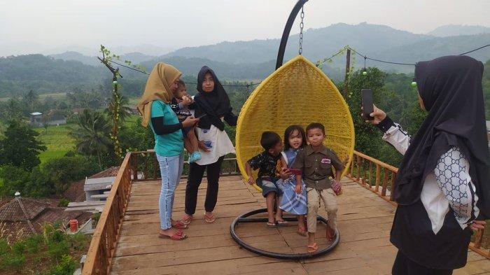 Kebon Hejo di Desa Cibaregbeg, Kecamatan Cibeber, Kabupaten Cianjur.