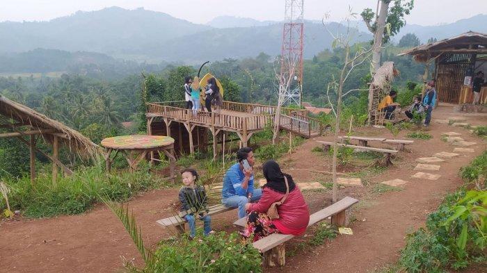 Bukit Tandus Bekas Galian Pasir di Desa Cibaregbeg Cianjur Disulap Jadi Objek Wisata Kebon Hejo