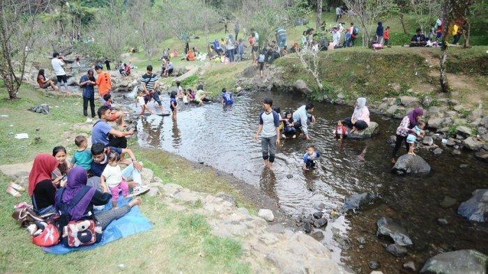 Salah satu spot berkumpul wisatawan di Kebun Raya Cibodas, Desa Cimacan Kecamatan Cipanas Kabupaten Cianjur.