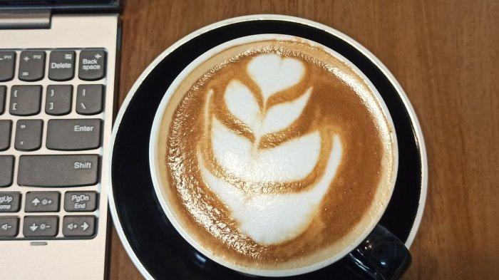 Ini Cara Membuat Latte Art di Kopi Magma Jalan Braga, Karya Seni dalam Secangkir Kopi